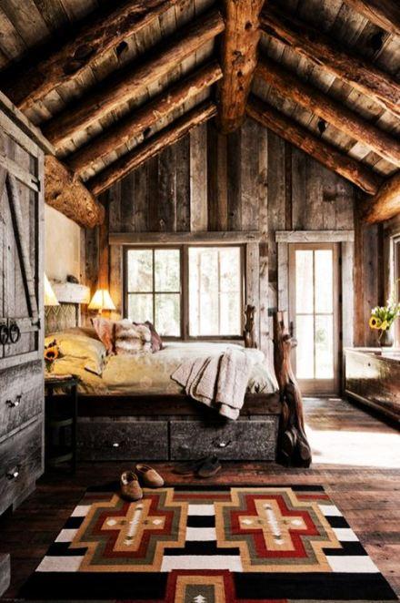 Malheureusement, ce n'est pas la chambre qu'on avait. Ils ne font pas beaucoup de cabanes en bois à Manhattan. Source photo ici